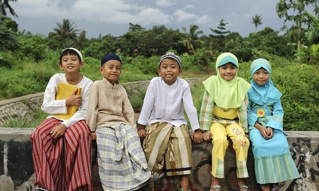 endonezyalı müslüman çocuklar